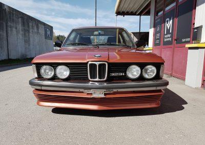 BMW 323i Front