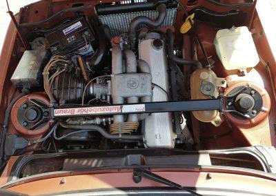 BMW 323i Motorraum